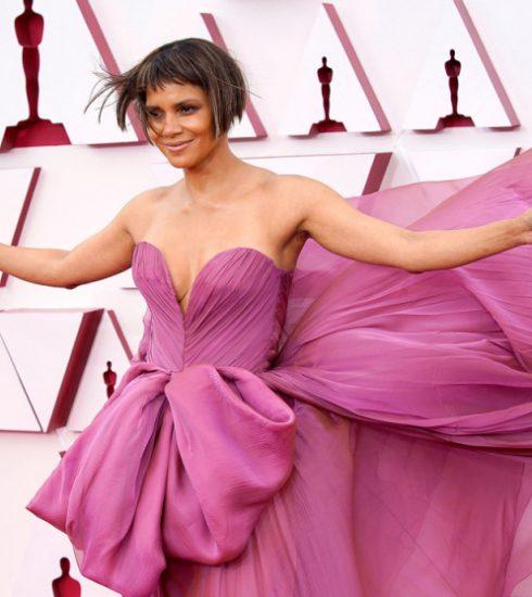 Halle Berry arrives at the Oscars 93rd Annual Academy Awards