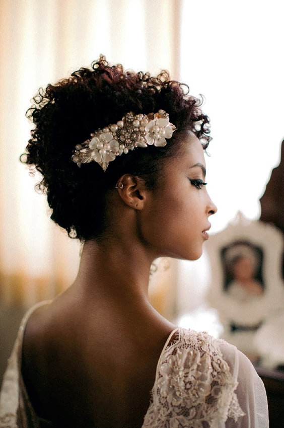 BEJEWELLED HAIR, HAIR WITH ACCESSORIES
